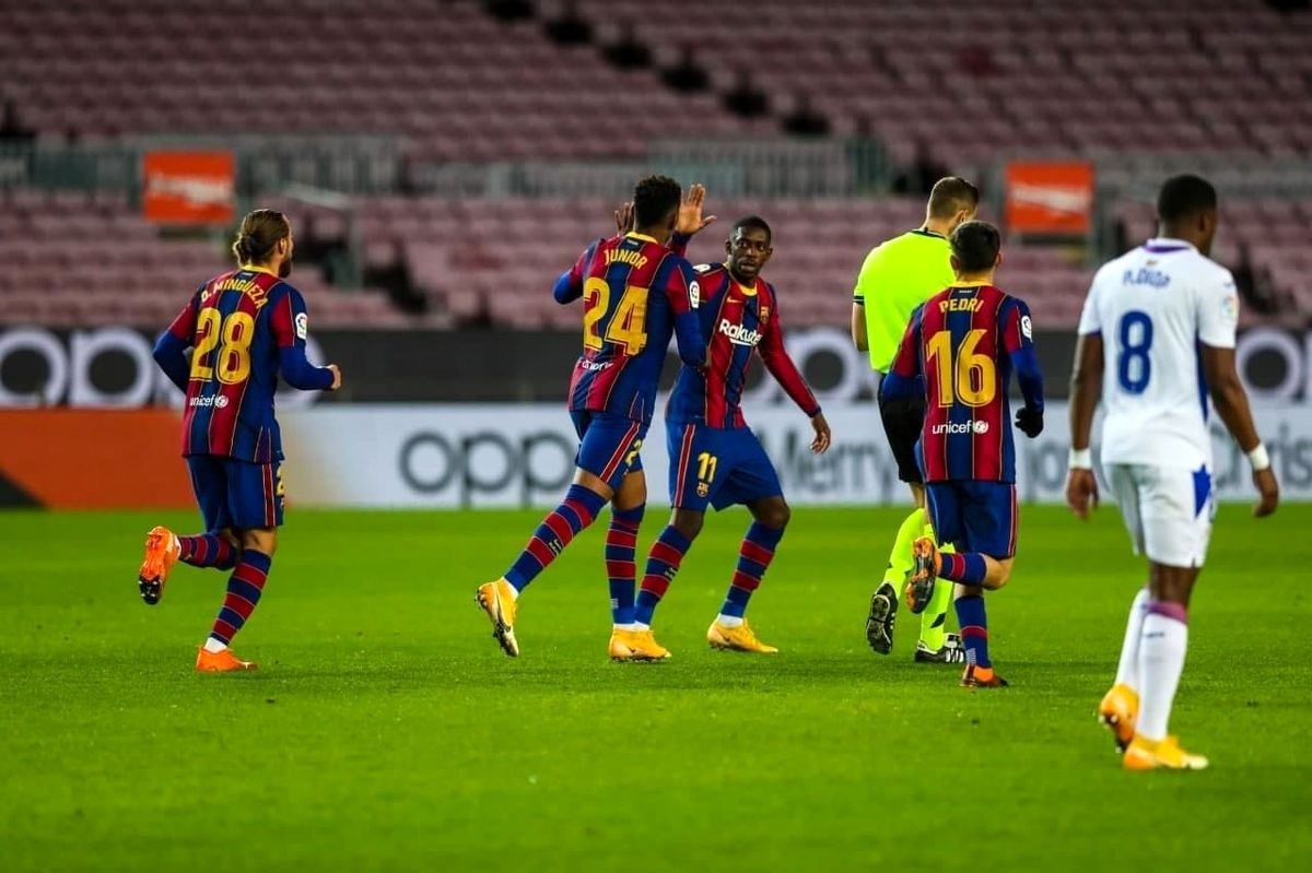توقف بارسلونا در نیوکمپ مقابل ایبار/مسی نبود پنالتی گل نشد