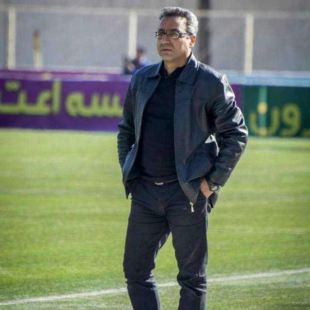 محمد احمد زاده بهترین مربی ایران است/احمد نورالهی بهترین بازیکن دهه نود است