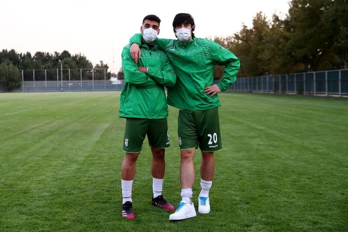 مهاجمان صندوقچه قیمتی کره پشت ماسک(عکس)