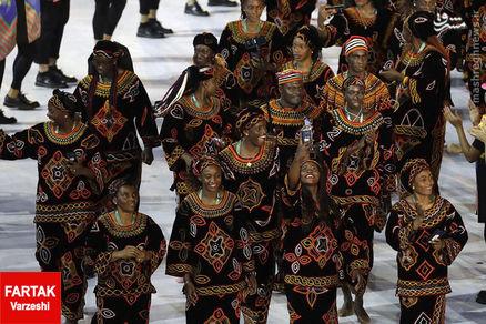 عکس/ کامرون با لباس های سنتی