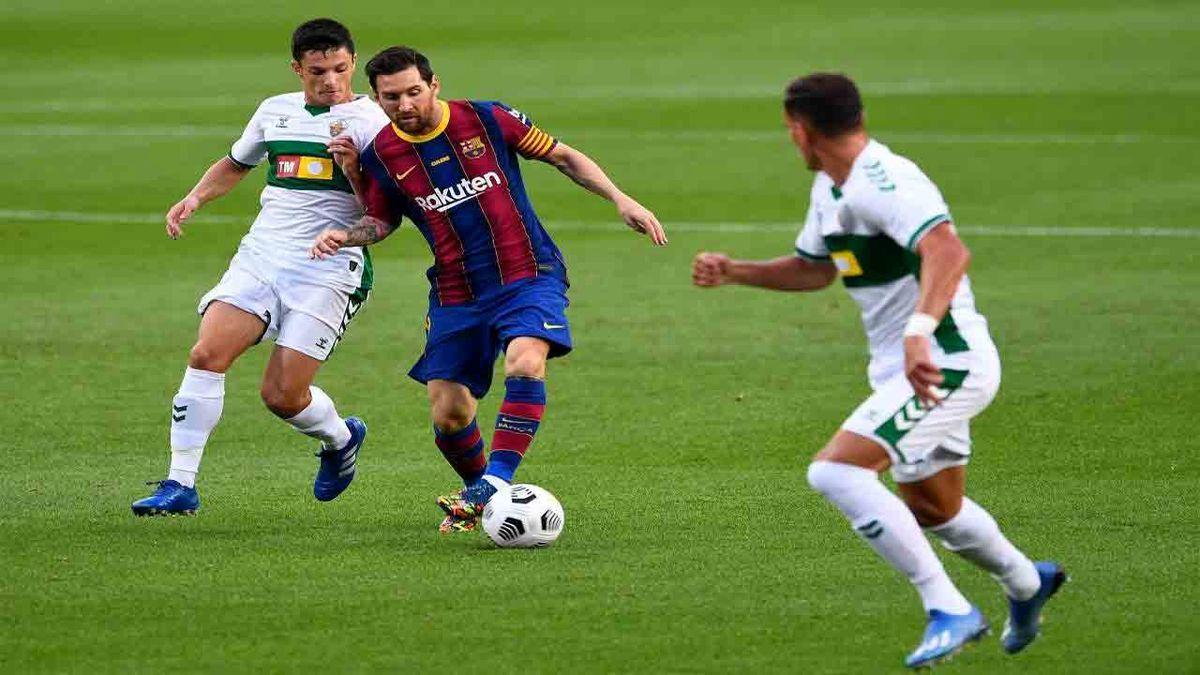 بارسلونا ۳ - الچه صفر/ کاتالانها به دو امتیازی رئال رسیدند؛ مسی از سوارس رد شد