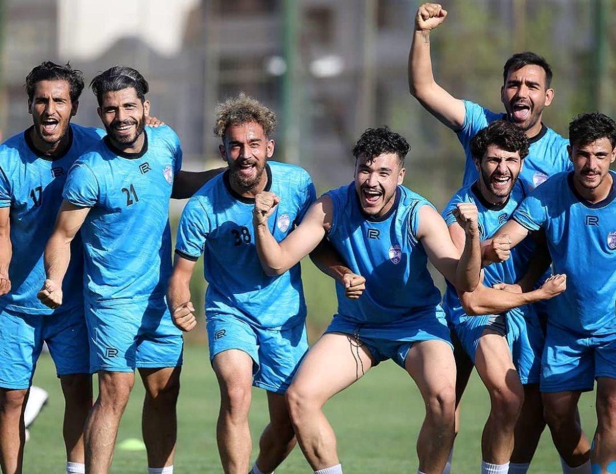 بنفشها برای پیروزی به بوشهر می روند