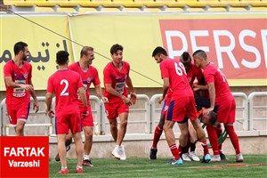 قرمزها همچنان زیر شلاق مارکو!