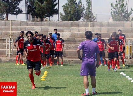 پیش بازی قشقایی-برق جدید/ اولین دربی لیگ دو با فال حافظ