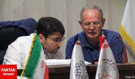 سرمربی ایتالیایی با مدیر عامل باشگاه شهرداری ارومیه به گفتگو پرداخت
