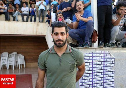 مدافع جنجالی استقلال در تیم شهریار (عکس)