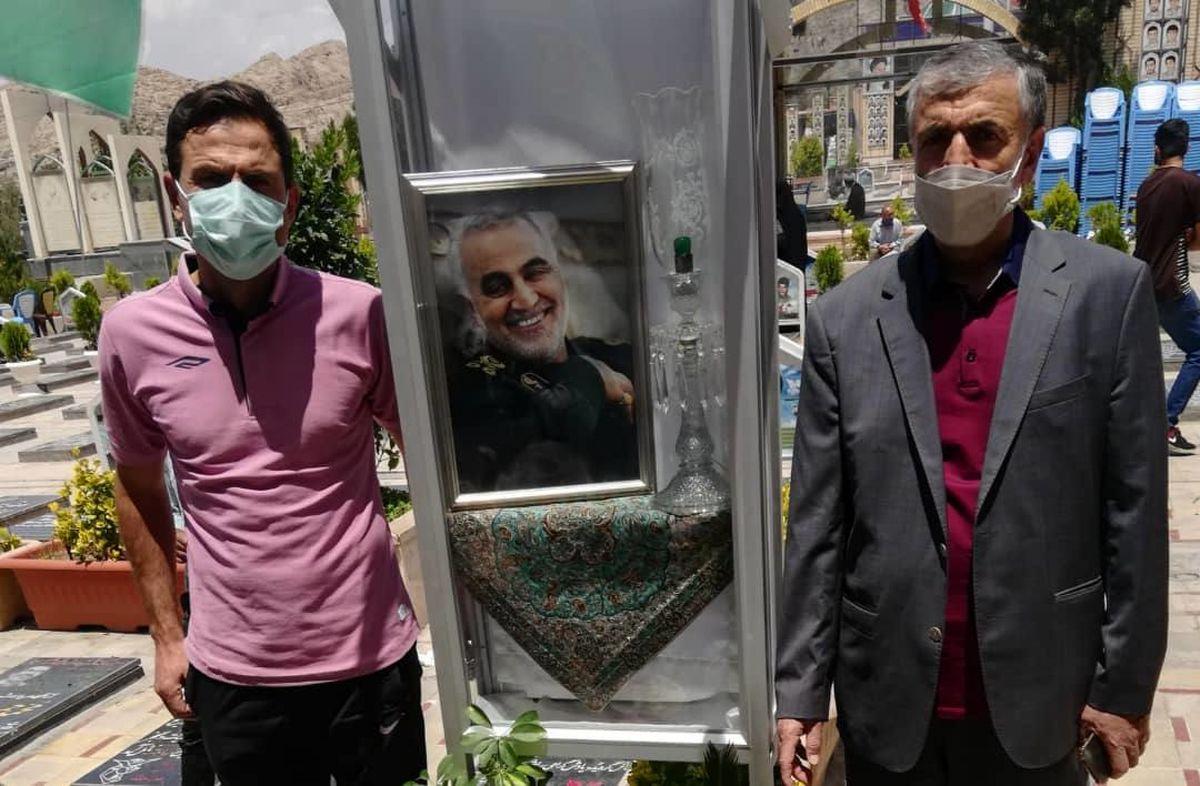 ادای احترام باشگاه خوشه طلایی ساوه به مقام شهید سردار سلیمانی