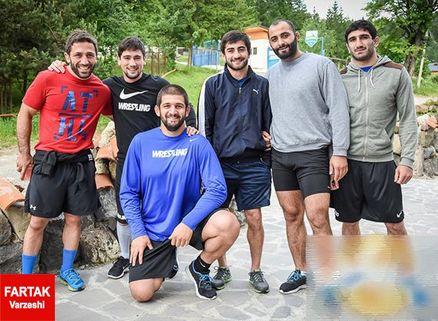 شش آزادکار گرجستانی تمرینات خود را برای حضور در المپیک برزیل، در منطقه کوهستانی دنبال می کنند.