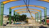 منهای ورزش / اتمام نصب اسکلت پروژه سالن ورزشی در سر پل ذهاب