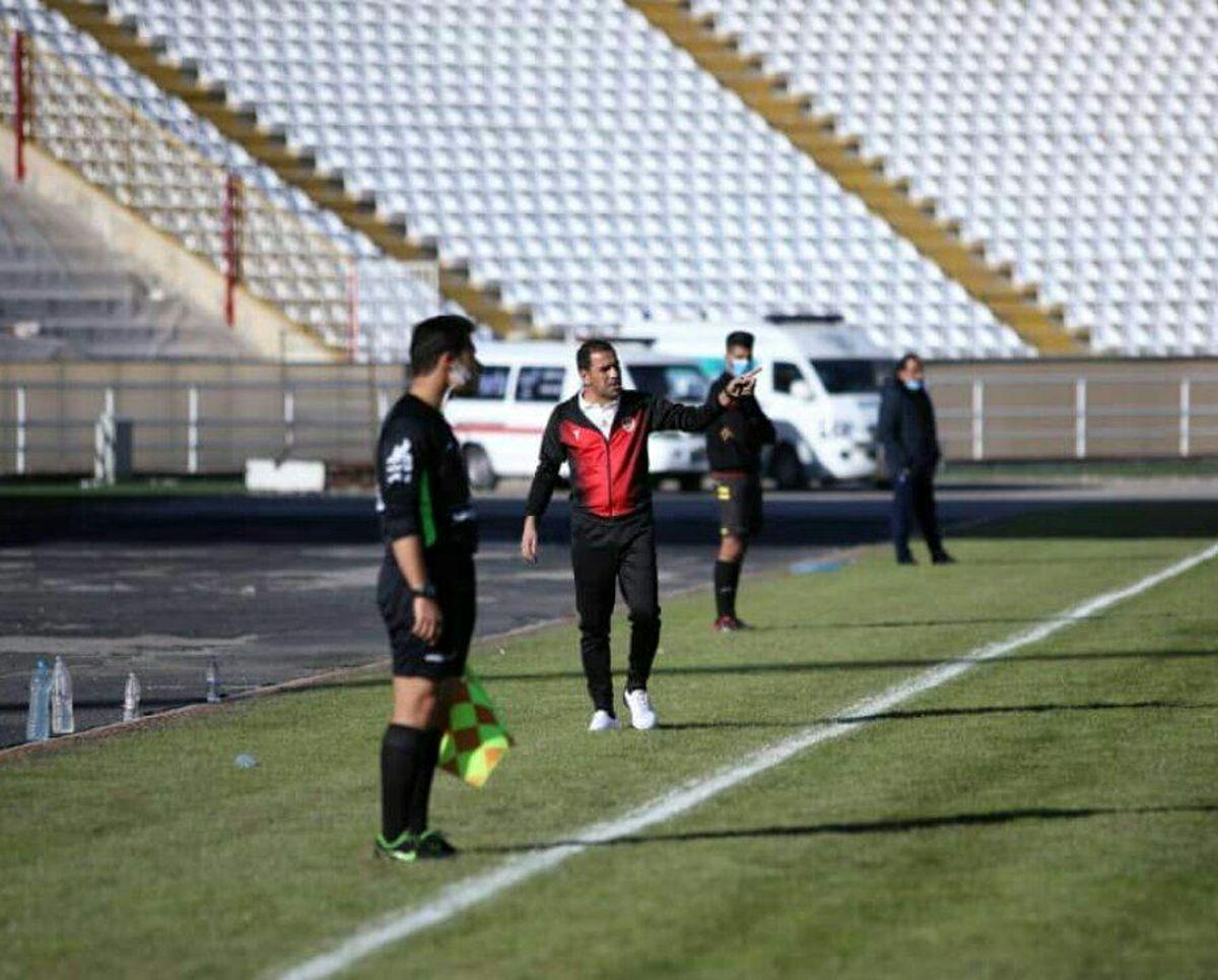 خواستم بعد از گذشت ۶ سال به فوتبال شهرم خدمت کنم/ کادر جدید به جای متهم کردن دیگران اشتباهات خودشان را بپذیرند!