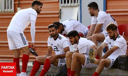 صادق محرمی: بازی با تیم های بزرگ کمک بیشتری به ما می کرد