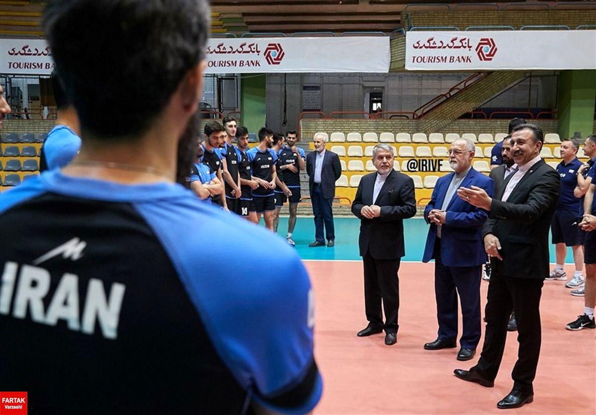 بازدید  رئیس کمیته ملی المپیک از تمرین تیم ملی والیبال