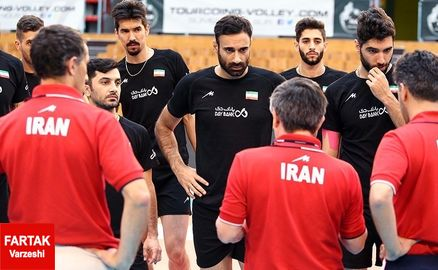 والیبالیستهای ایران با دو پله سقوط دهم شدند