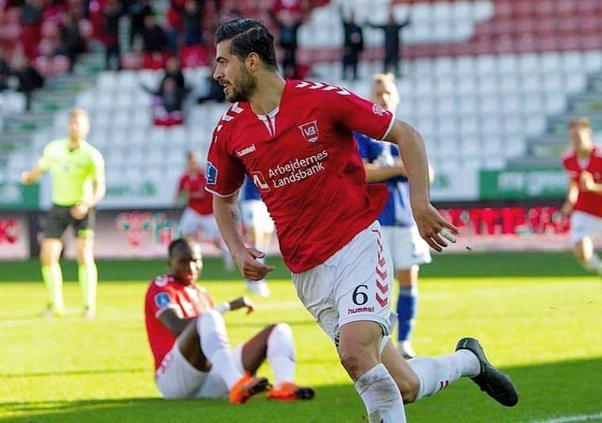 لیگ فوتبال دانمارک|شکست خانگی وایله در حضور 32 دقیقه ای عزت اللهی