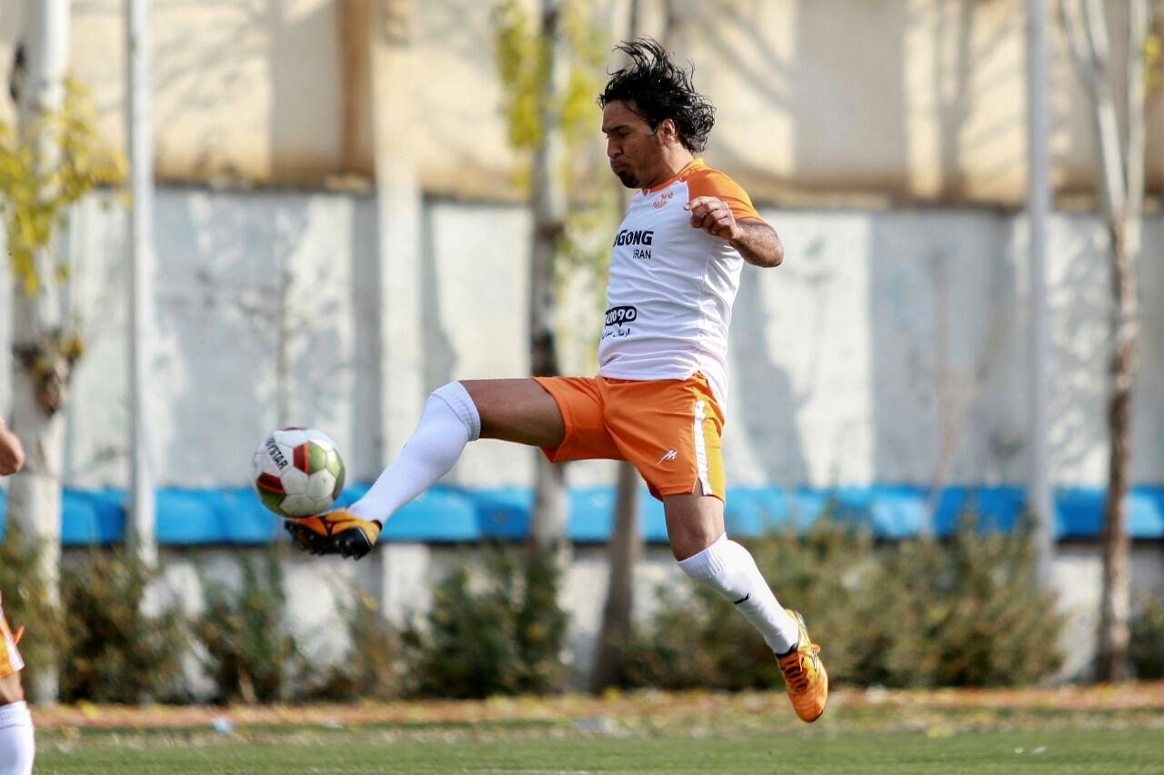 فرزاد حسینخانی